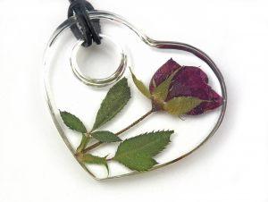 roza-w-zywicy